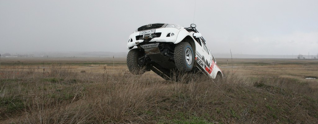 Hilux AT35
