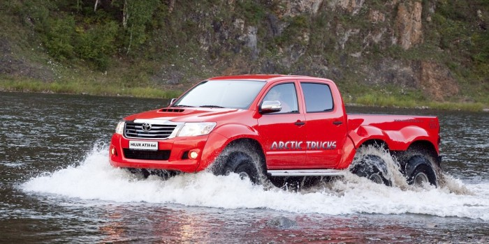 Тест-драйв Toyota Hilux Arctic Trucks AT38 6×6